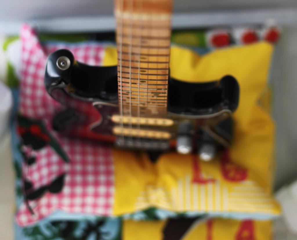 96 guitara